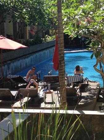 All Seasons Legian Bali: salt pool