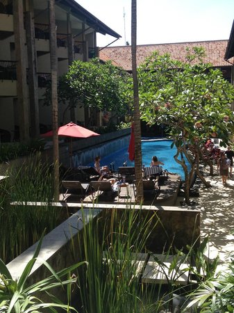 All Seasons Legian Bali: shaded pool