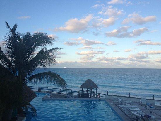 Oleo Cancun Playa: Pool