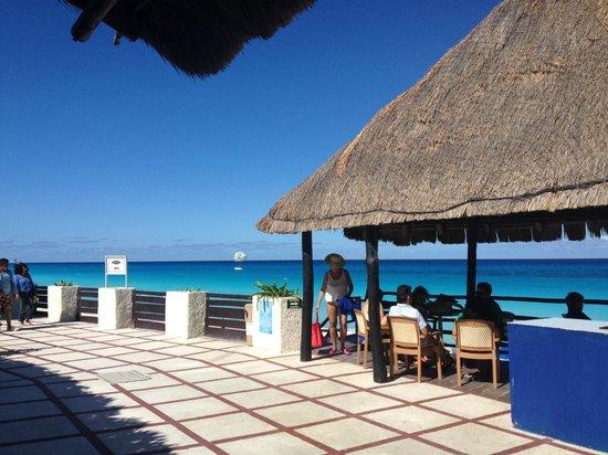 Oleo Cancun Playa: Sea