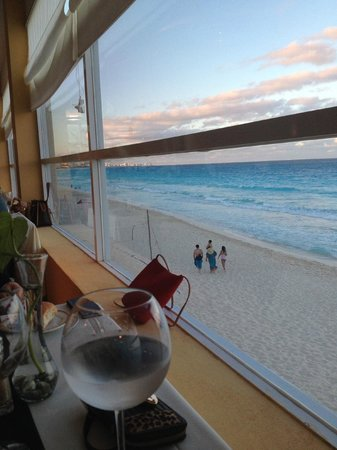 Oleo Cancun Playa : Dinning