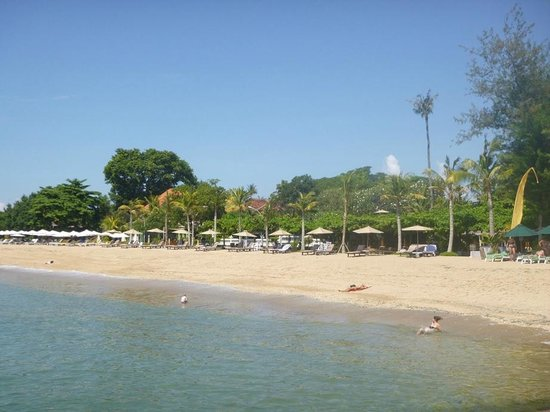 La Taverna Suites : View of the beach at La Taverna