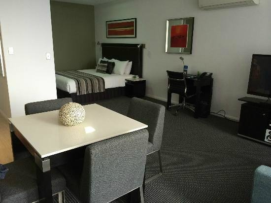 Meriton Serviced Apartments Campbell Street : our room at the 19th floor