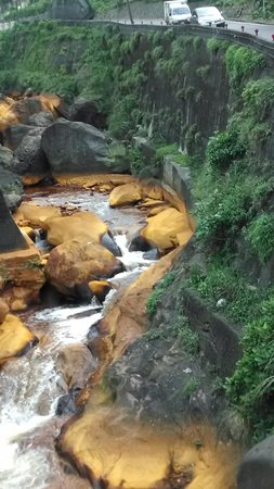 Topology Travel- Travel in Real Taiwan (Private Tour): The coppery river