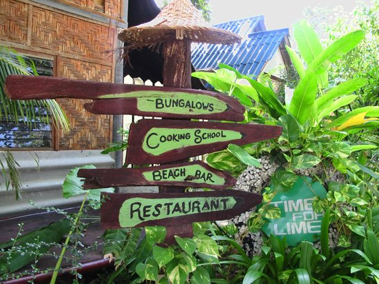 Time For Lime Bungalows : signs