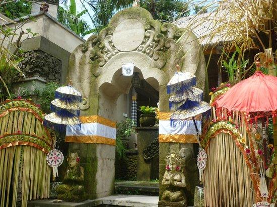 Puri Gangga Resort: entrée de l'hôtel