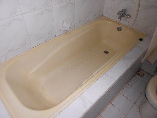 Balisandy Resort: Dirty bath