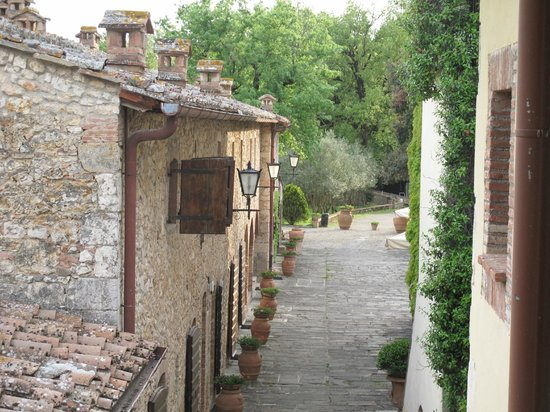 Borgo San Luigi : View of some rooms