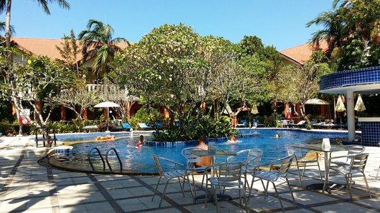 Hyton Leelavadee Phuket: pool