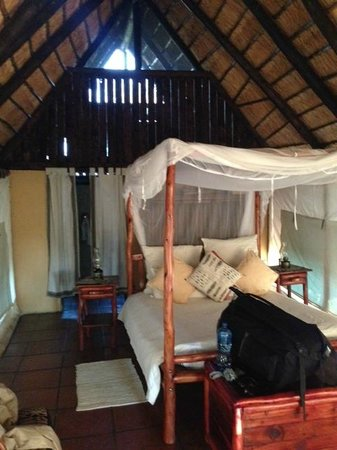 Pungwe Safari Camp: tent