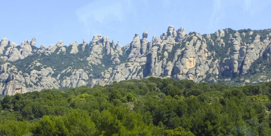 Barcelona Turisme - Afternoon in Montserrat Tour : On the way up to the mountain..