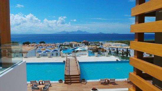 Mitsis Blue Domes Resort & Spa : Vu du restaurant principal