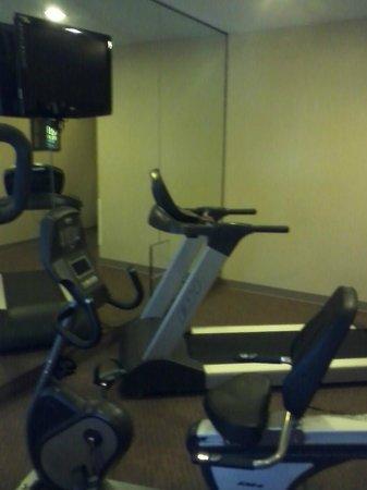 Days Inn and Suites Airport Albuquerque: Exercise Room
