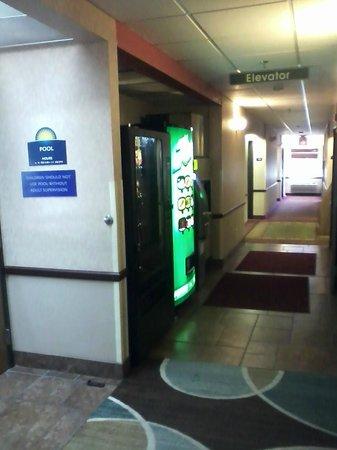 Days Inn and Suites Airport Albuquerque: Hall