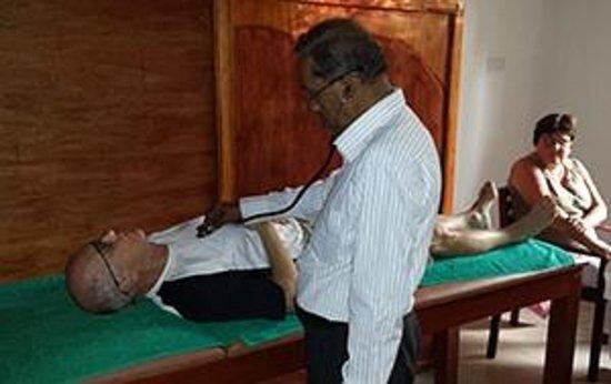 Bentota, Sri Lanka: Doctor Consultation