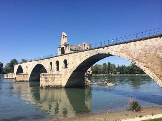 Pont Saint-Bénézet (Pont d'Avignon) : Мост Сен-Бенезе