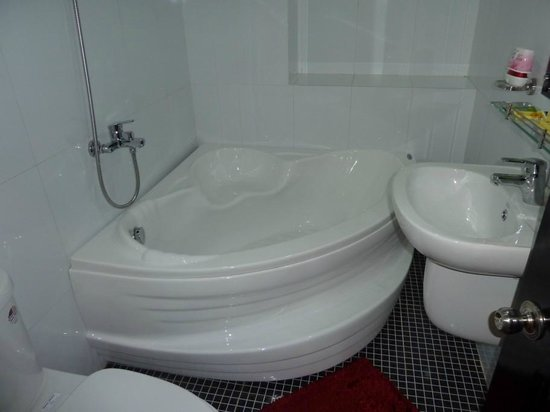 Canary Boutique Hotel: Bathtub