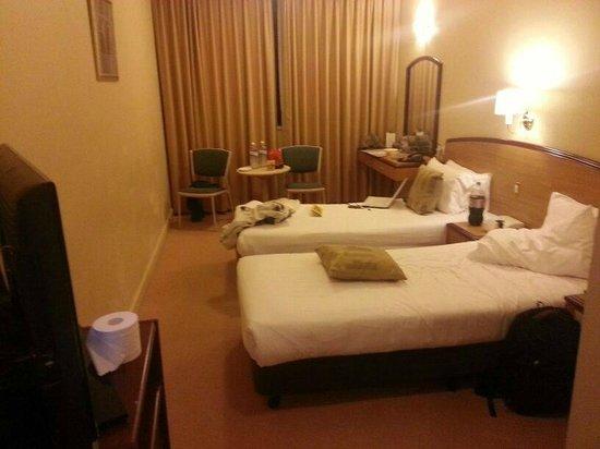 Quality Hotel Ambassador Perth : Room