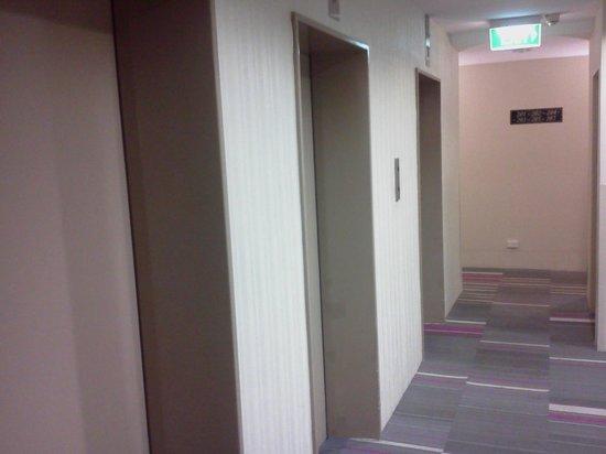 Perth Ambassador Hotel: Room