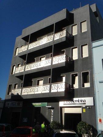 Hotel La Colombina: la facade sur rue
