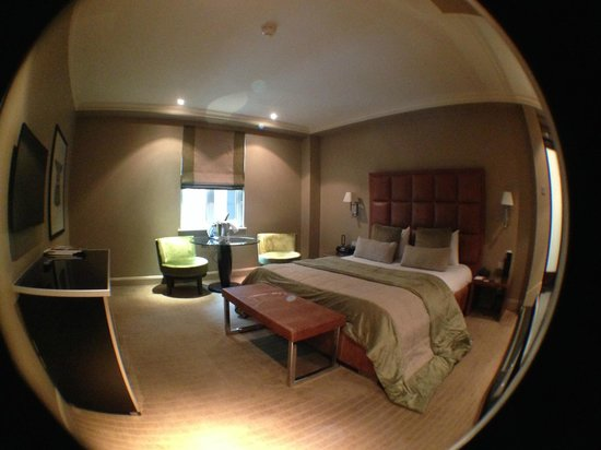 The May Fair Hotel : Large Bedroom