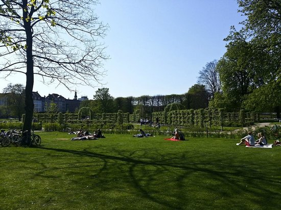 Kongens Have: Nice park for a stroll or a picnic