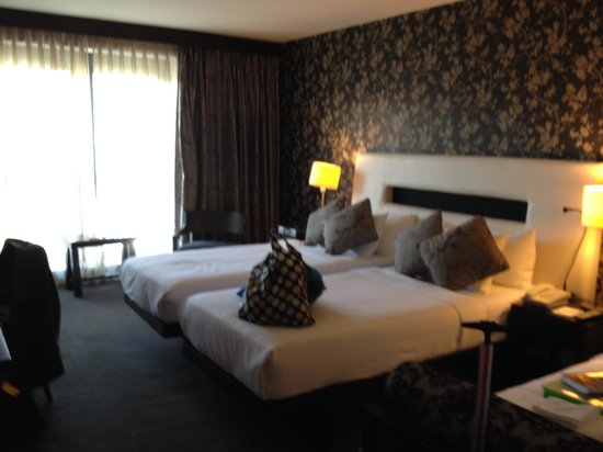 The Twelve Hotel: triple room