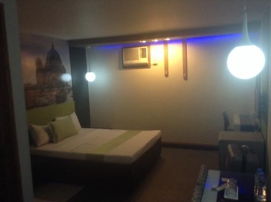 Eurotel Pedro Gil: bedroom looks ok first impression