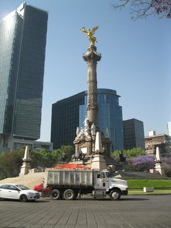 Paseo de la Reforma: Monumento al Angel