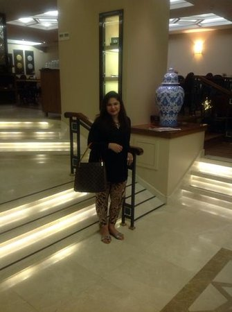 Neorion Hotel: At the hotel lobby floor...