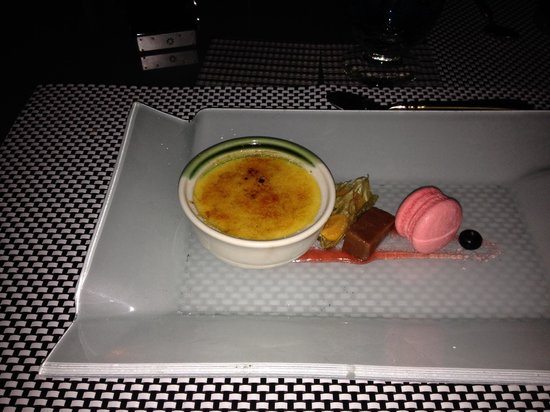 Gaya Island Resort : Fisherman's Cove Dessert créme brulé