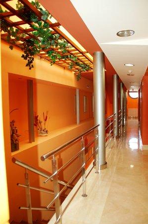 Hotel la Estación de Luanco: Pasillo habitaciones