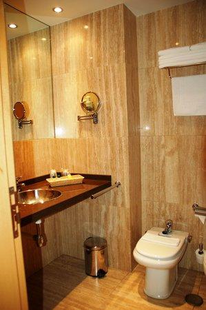 Hotel la Estación de Luanco: Baño