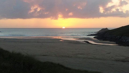 Parkdean - Crantock Beach Holiday Park: Sunset at crantock