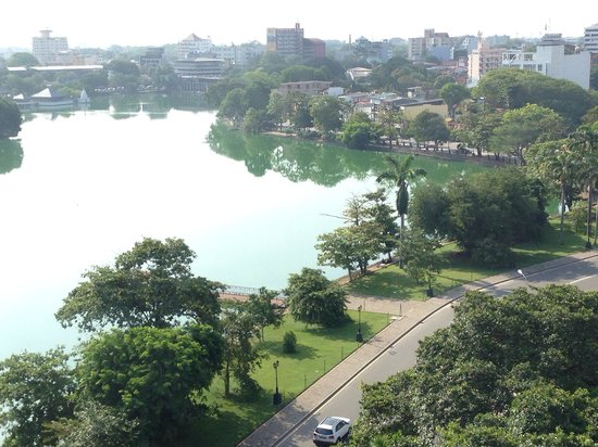 Cinnamon Grand Colombo: View from the older hotel block