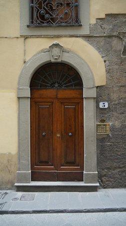 Bronze Horse : porte d'entrée de l'immeuble