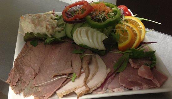The Old Ginn House Restaurant & Bar: Mixed Meat Salad