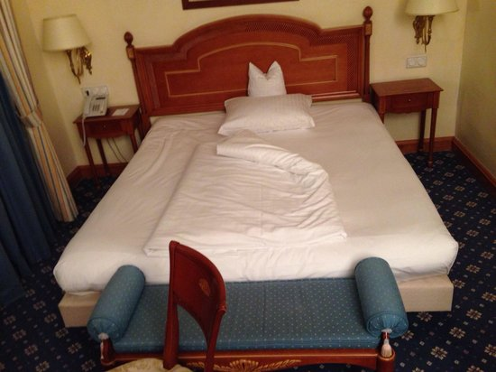 Dormero Hotel Rotes Ross: Large bed
