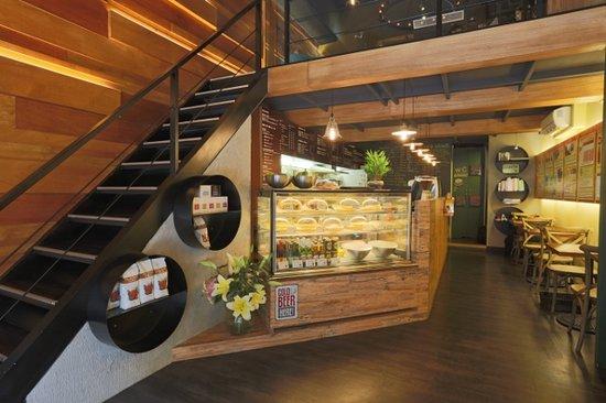 Maple Maple Cafe