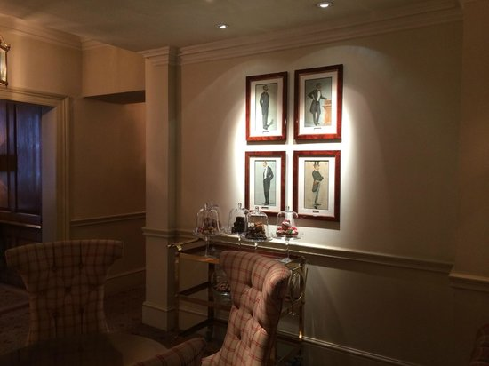 Durrants Hotel : details living room