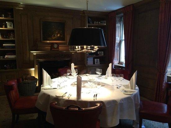 Durrants Hotel: dining room