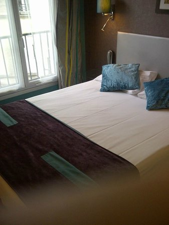 ATN : Blick aufs Bett (140 cm Breite)