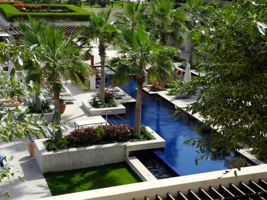The St. Regis Saadiyat Island Resort : ruhiger Erwachsenen Pool