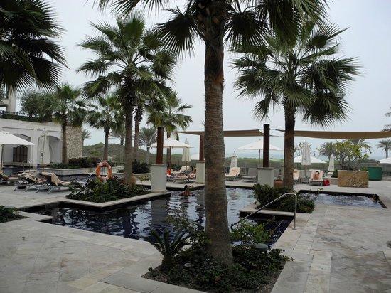 The St. Regis Saadiyat Island Resort: Erwachsenen Pool