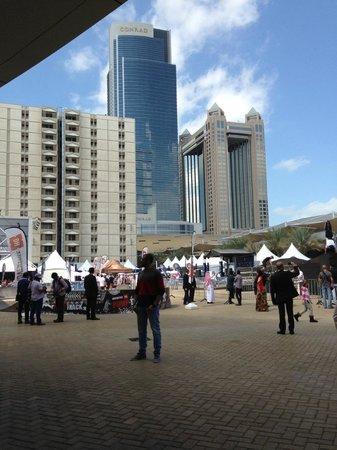 Ibis World Trade Centre Dubai: Esterno Hotel
