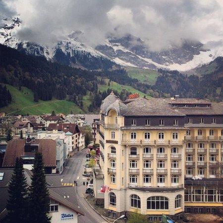 Ramada Hotel Regina Titlis Engelberg: Ausblick vom 8. Stock