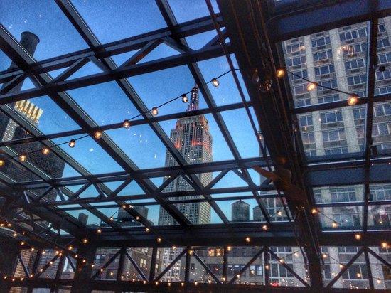 Refinery Rooftop: Вид изнутри