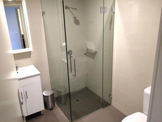 Country Comfort Hunts Liverpool : 2 Bedroom Executive Apartment