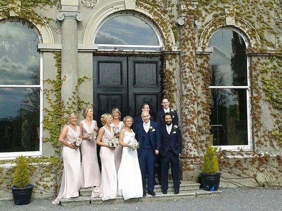 Lyrath Estate Hotel & Spa: Bridal Party outside Hotel Entrance