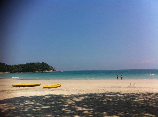 Nirwana Gardens - Indra Maya Pool Villas: beach